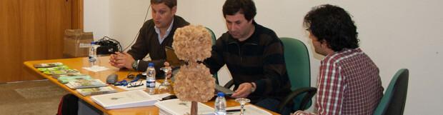 """Personal de la Universidad de Santiago de Compostela participa en un workshop del proyecto LIFE+Higro """"Acciones demostrativas para la conservación de hábitats prioritarios de montaña en el Norte de Portugal"""" celebrado en Castro Daire el 3 de mayo (05/05/2013)"""